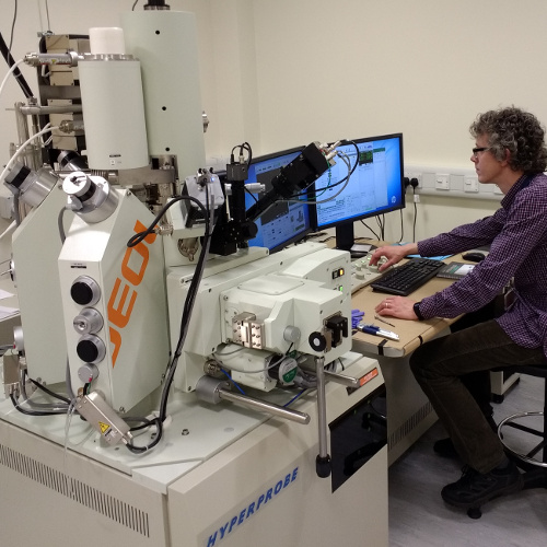 Field-emission electron probe microanalyser